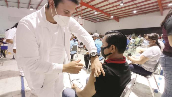 Vacunarán a los de 40-49