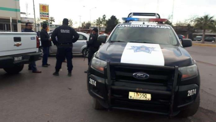 Lesiona a policías