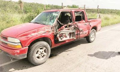 Roban y destrozan camioneta