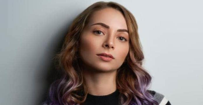 Ainara entrega videos como prueba contra YosStop