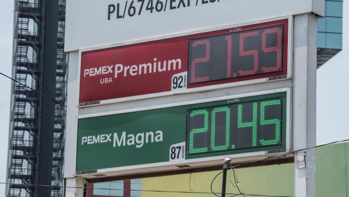 Temen suba gasolina a 25 pesos