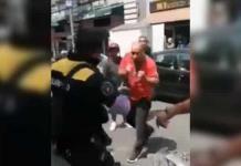 """Video: Sujeto golpea a policías para evitar la """"araña"""" en CDMX"""