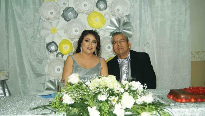 CELEBRA NOEMI Y JUAN 25 AÑOS DE AMOR
