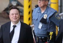 Inicia juicio contra Elon Musk por fusión Tesla con SolarCity