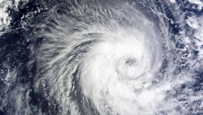 Huracán Felicia alcanza categoría 3, se ubica en el Océano Pacífico