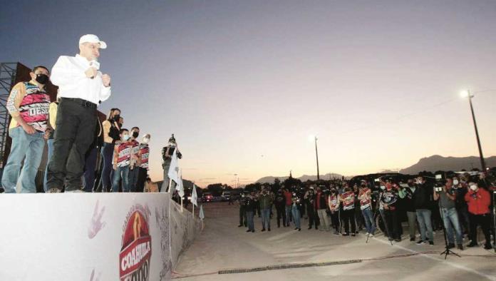Recorren 250 pilotos ruta 'Coahuila 1000'