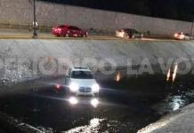 Cae al río lujoso BMW