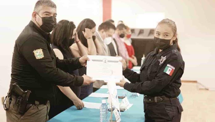Capacitan a policías en el uso de la fuerza