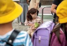 Patrulla de perros cuida a los niños en Japón