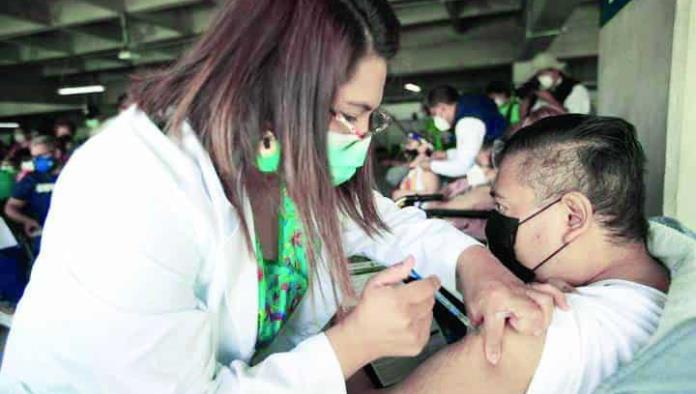 Vacunan hoy a los de 40 a 49