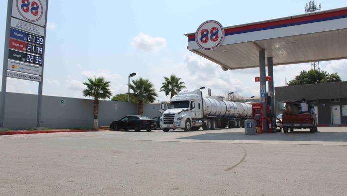 Prevén incremento al pecio de gasolina