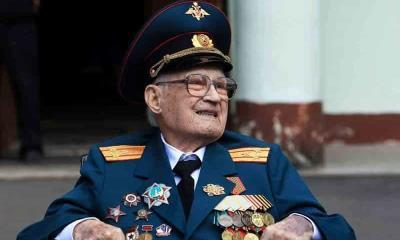 A sus 102 años veterano Ruso vence al Covid-19