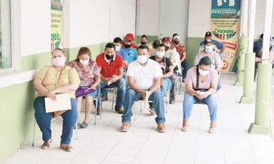 Vacunan a 2 mil 617 en un día