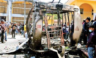 Caos en Chiapas; Autodefensas expulsan al ejercito y toman municipio