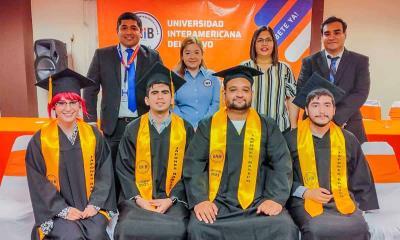Apadrina Pily  a graduados  de la UNIB