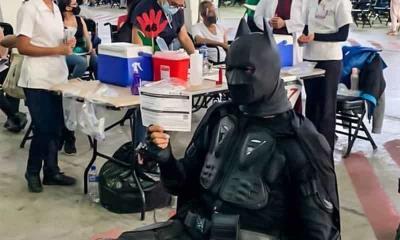 Batman ya se vacuno; Continua vacunación en CDMX