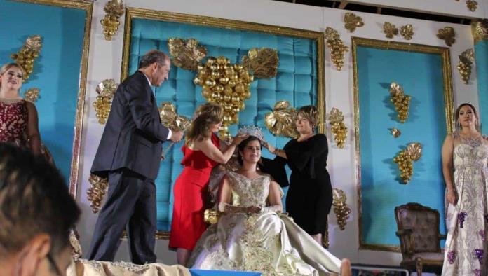 Coronan a Valeria I en Cuatro Ciénegas