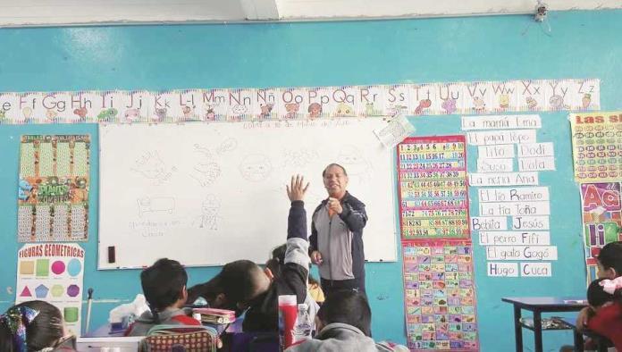 Regresarían a aulas más de mil maestros
