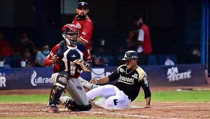 Edgar Iván Salazar, nuevo ídolo del béisbol