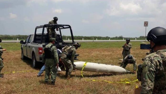 Cae tanque de Gas LP del cielo; Posible combustible de avión militar