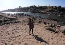 Escena de horror; Hallan 50 cuerpos flotando en rio de Etiopia