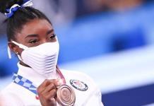Simon Biles gana bronce en Tokio 2020