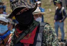 Autodefensas se sientan a negociar con Gobierno Federal