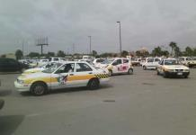Exigen taxistas aumento a tarifas
