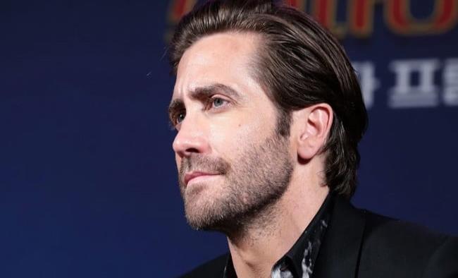 Jake Gyllenhaal ya no se baña con frecuencia, considera que no es necesario