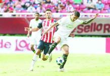 Rescata Chivas empate ante Juárez