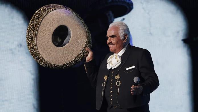 Vicente Fernández, grave en terapia intensiva
