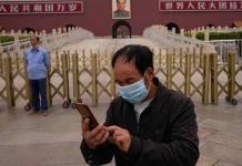 Canciones prohibidas en karaokes; China aumenta censura