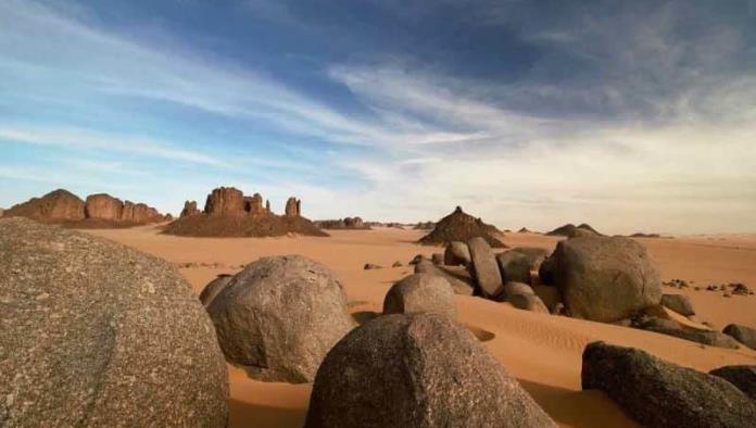 Encuentran 6 migrantes muertos en el Sahara; Murieron de sed