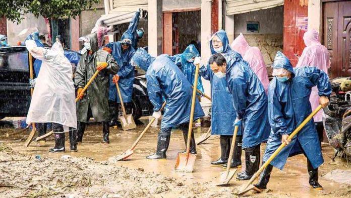 Mueren 21 por inundaciones en China
