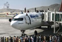 Caos en Afganistán; Se suspenden vuelos tras accidentes