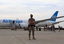Talibanes dejan con el rostro ensangrentado a australiano que trataba de huir de Afganistá