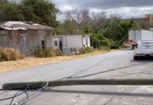 TRÁILER DERRIBA POSTES EN LA SAN FELIPE
