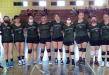 Equipo femenil  de voleibol  en los mejores del Circuito Estatal