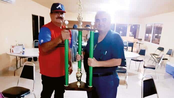 Reciben trofeos los campeones en Recreativa 50 Años