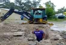 Reparan red general  de 6 pulgadas por fuga de agua