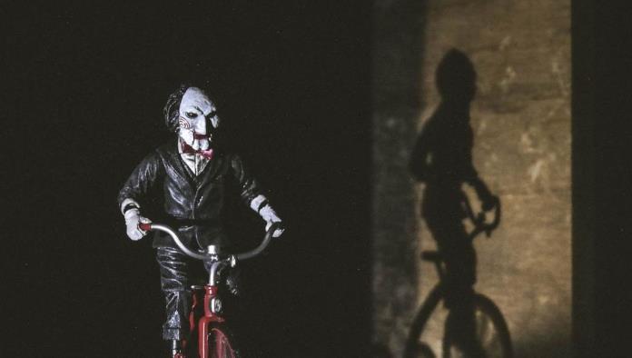Una compañía ofrece 1.300 dólares por ver 13 películas de terror en 10 días