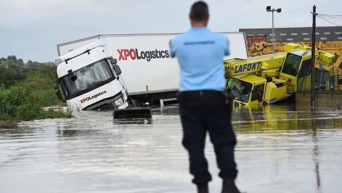 Francia bajo el agua; Inundaciones repentinas convirtieron carreteras en ríos