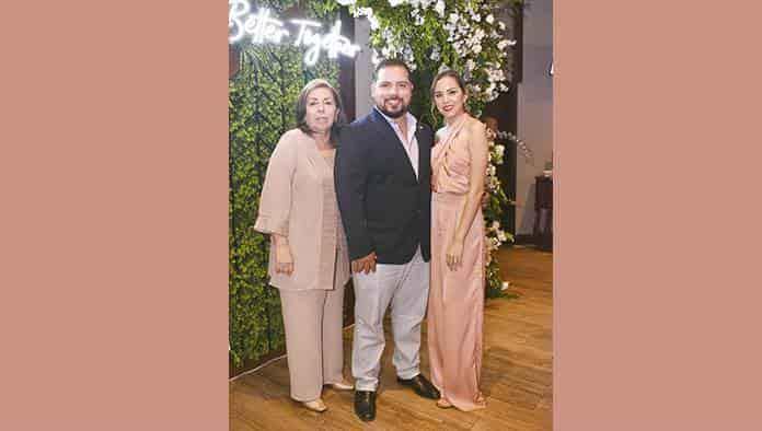 Denisse y Gerardo fijan fecha de su boda