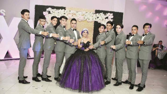 XV años de Ángela Sahory