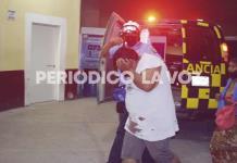 Pelean mujer embarazada y hombre; resultan lesionados