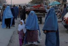 Jefe de ONU denuncia promesas incumplidas de talibanes a mujeres y niñas