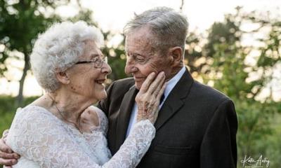 Luego de 77 años de casados, pareja recrea su boda