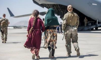 Familia afgana que fue deportada recibe condición de asilo político