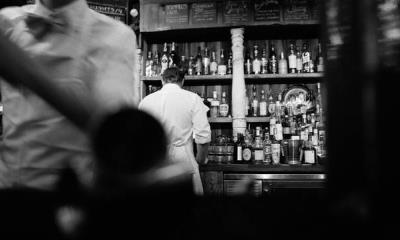 Renuncia al trabajo porque su jefe le prohibía beber en días de descanso
